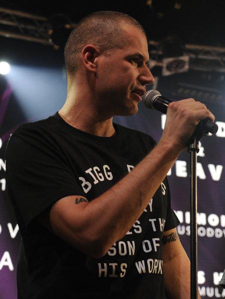 Za skupinu Master's Hammer, která zvítězila v kategorii hard & heavy, cenu převzal raper Vladimir 518.