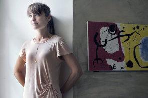V Tokiu bodovala s lustrem, Češkám představila designérka Kristýna Malovaná šperky odrážející světlo