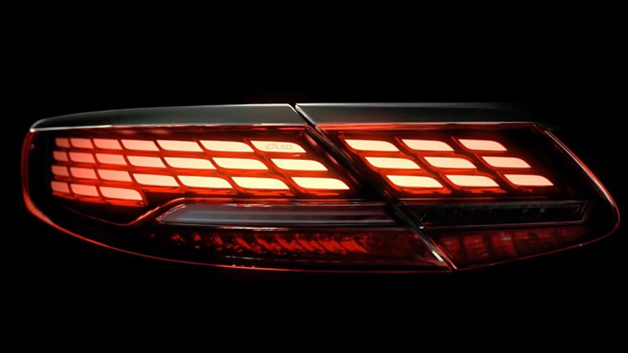 Mercedes představil designová zadní světla, která předvádí úžasnou show.