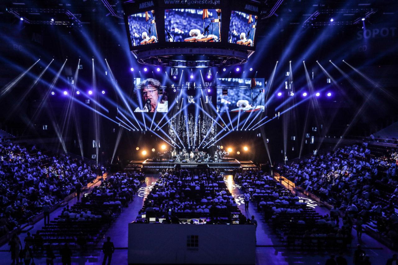 Některé eventy mají vzhled a charakter plnohodnotných koncertů, letos soutěží i kompletní čtyřdenní hudební festival.