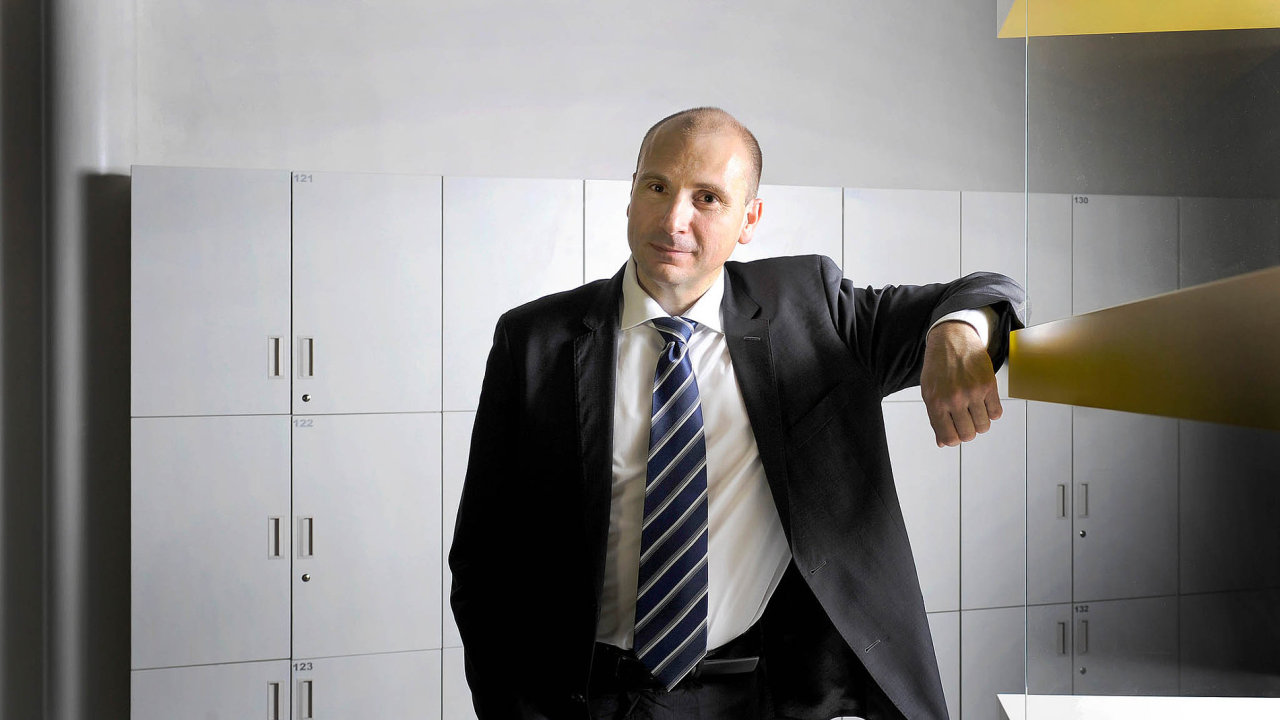 Soudce Nejvyššího správního soudu Karel Šimka.