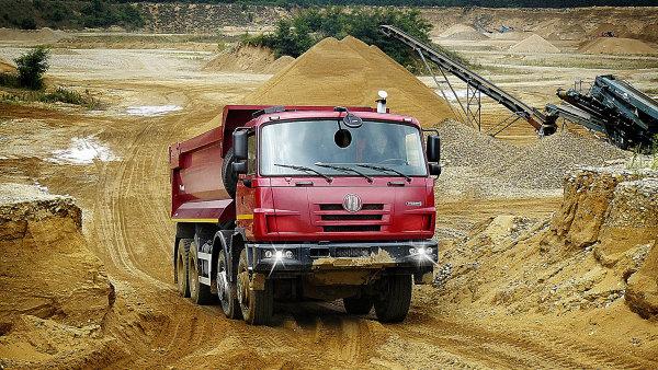 Tatra podepsala smlouvu o licenční výrobě nákladních vozů v Číně¨.