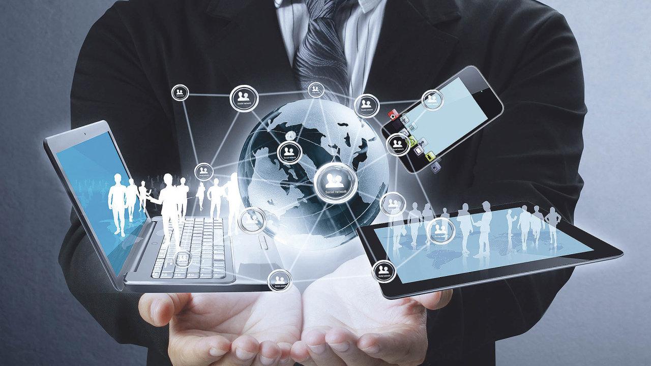 Rozvoj technologií a rozmach mobility si vyžádaly rozšíření funkčního pokrytí a přinesly vznik nové tržní kategorie s akronymem EMM - enterprise mobility management.