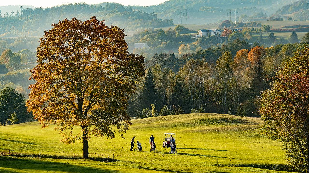 Virtuály nechceme: Členové Loreta Golfu dávají vedení svého klubu najevo, že se jim nelíbí potkávat