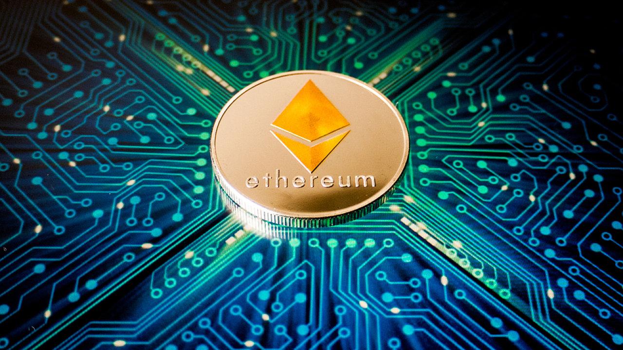 Stěžejním bodem DeFi je Ethereum, obří decentralizovaný počítač či síť počítačů, jež poskytuje prostředí, do kterého mohou programátoři vkládat programy a aplikace.