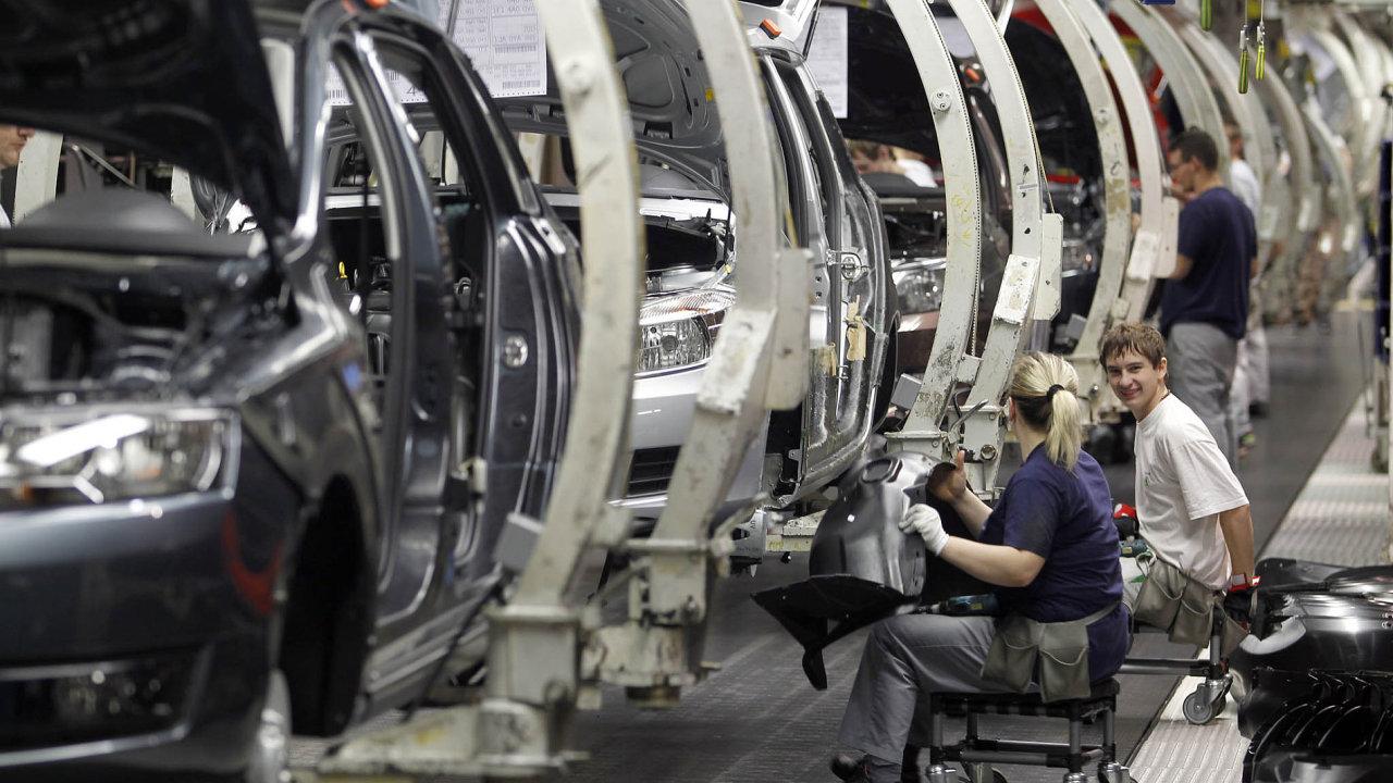Česká ekonomika je hodně závislá na autoprůmyslu. A bude to platit i do budoucna. Snímek je ze závodu Škody Auto v Mladé Boleslavi.