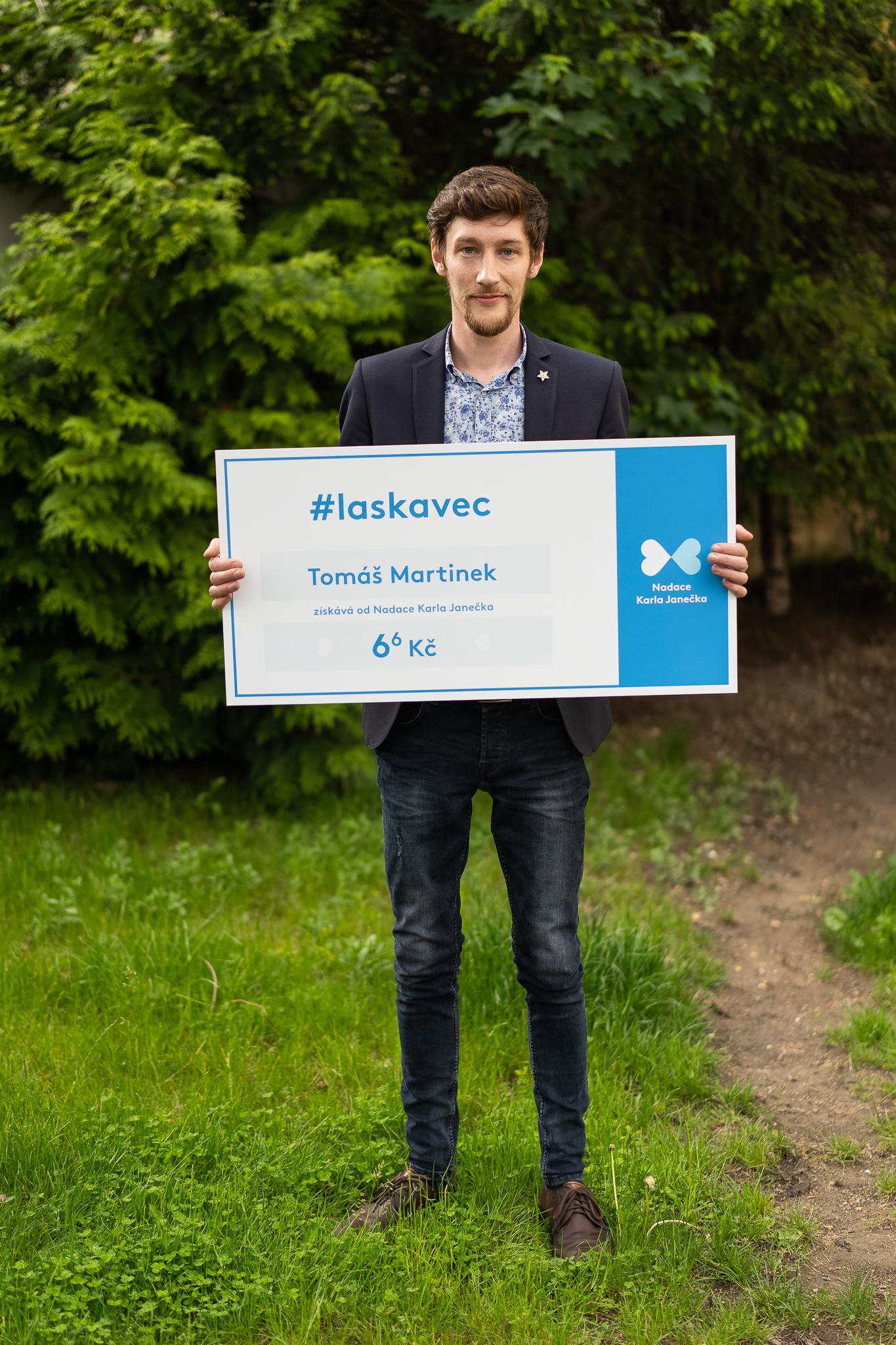 Tomáš Martinek získal titul Laskavec za svůj projekt Hurá na Výlet!