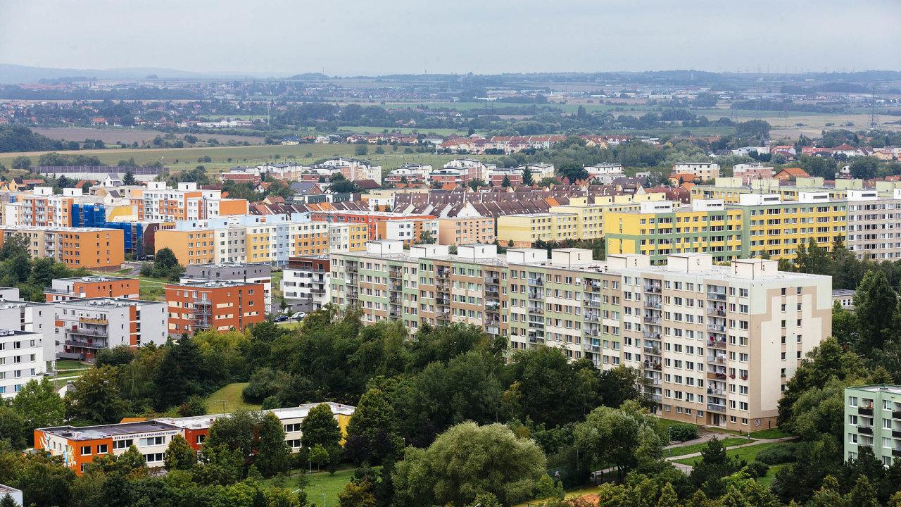 Boom úvěrů na bydlení umožnilo vpolovině minulého desetiletí zlevnění úvěrů spojené sprivatizací městského bytového fondu avýstavba bytových domů developery. Na snímku pražské Jižní Město.