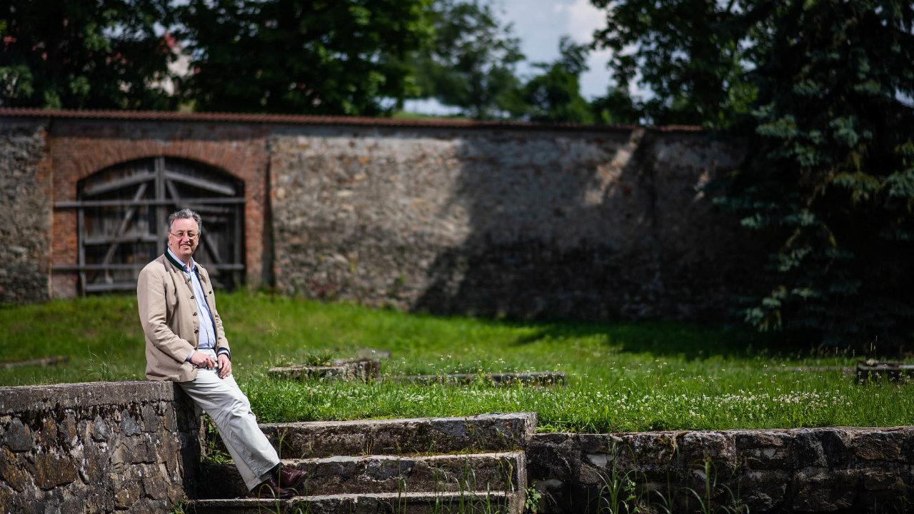Podnikatel Constantin Kinský se narodil veFrancii, kam jeho rodiče utekli před komunisty.