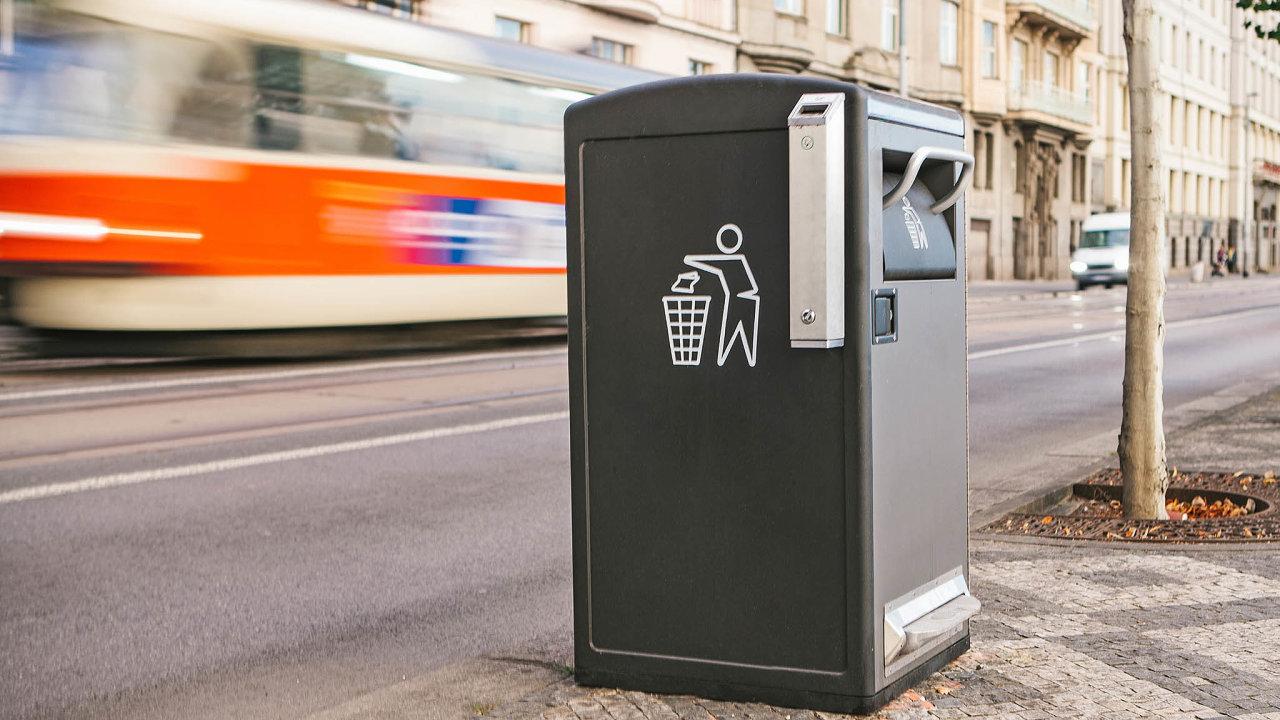 Díky chytrému třídění odpadu mají města a obce čistší ulice (ilustrační foto).