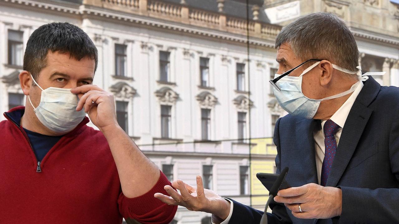 Hamáček a Babiš odmítli, že příspěvkem pro důchodce uplácí voliče před volbami.
