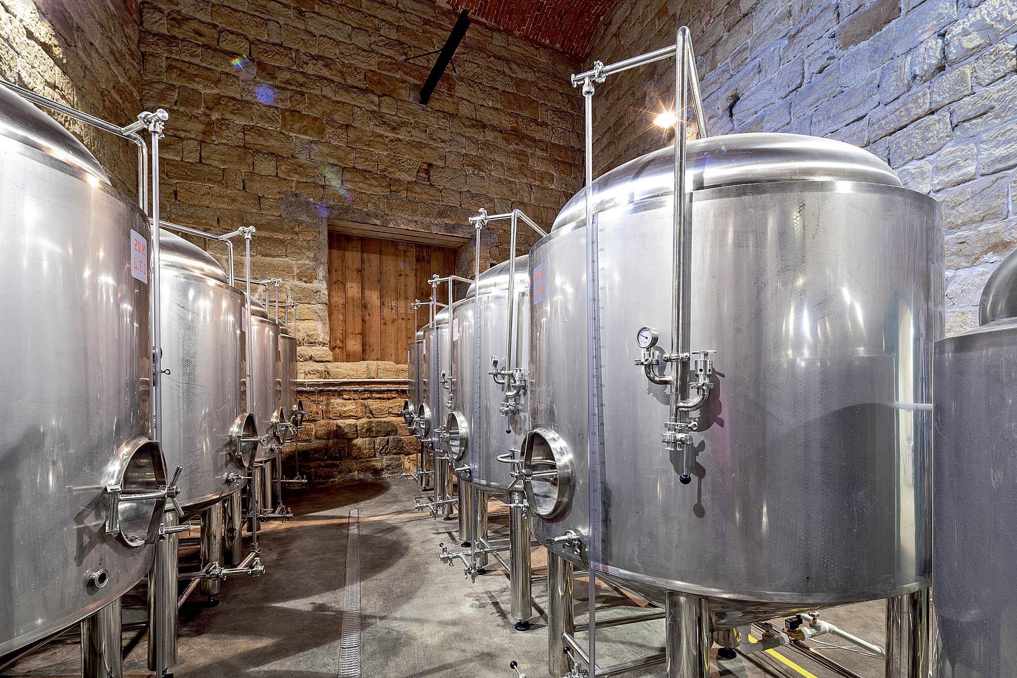 VLobči se opět vaří pivo, konají se tu prohlídky historických prostor ahosté se zde mohou ubytovat.