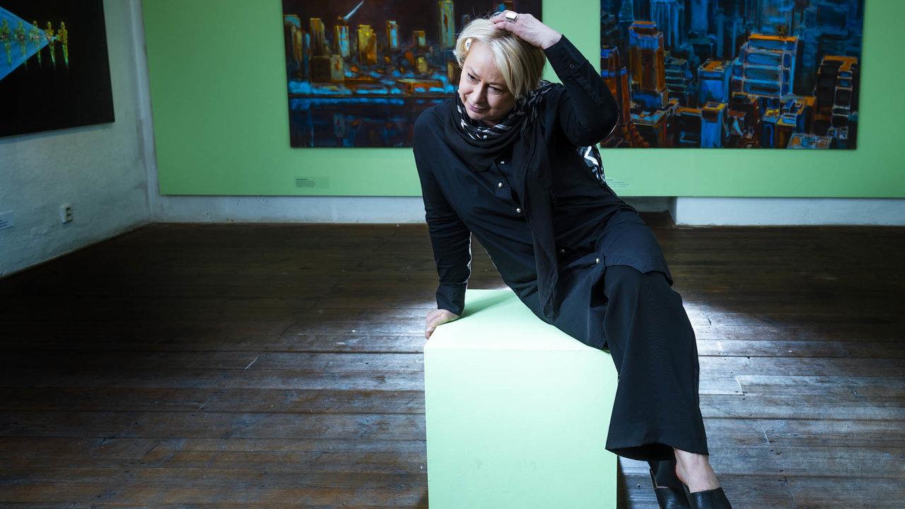 """Ředitelka krumlovského Egon Schiele Art Centra Hana Jirmusová Lazarowitz (na snímku) oslovila tři umělce a zeptala se jich: """"Může město, tak použité turisty a vydýchané, ještě vůbec být inspirativní?"""""""