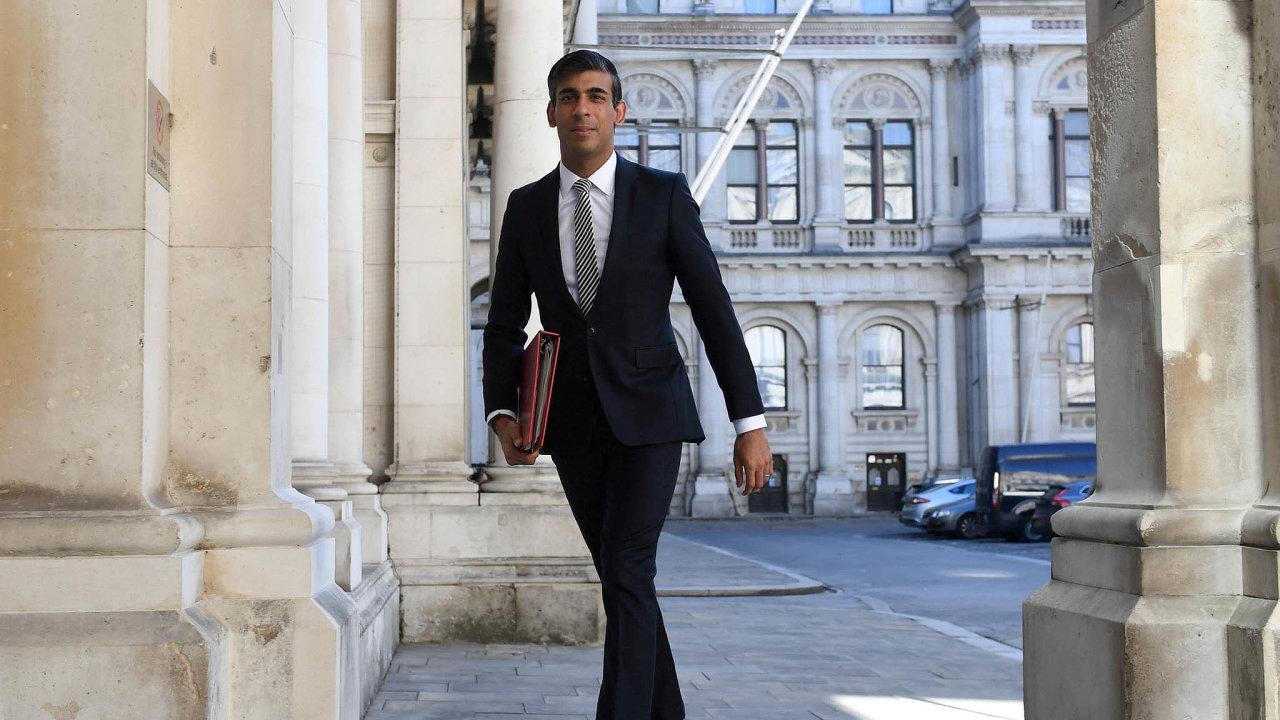 """""""Dnešní čísla potvrzují, že nastaly těžké časy,"""" uvedl britský ministr financí Rishi Sunak."""