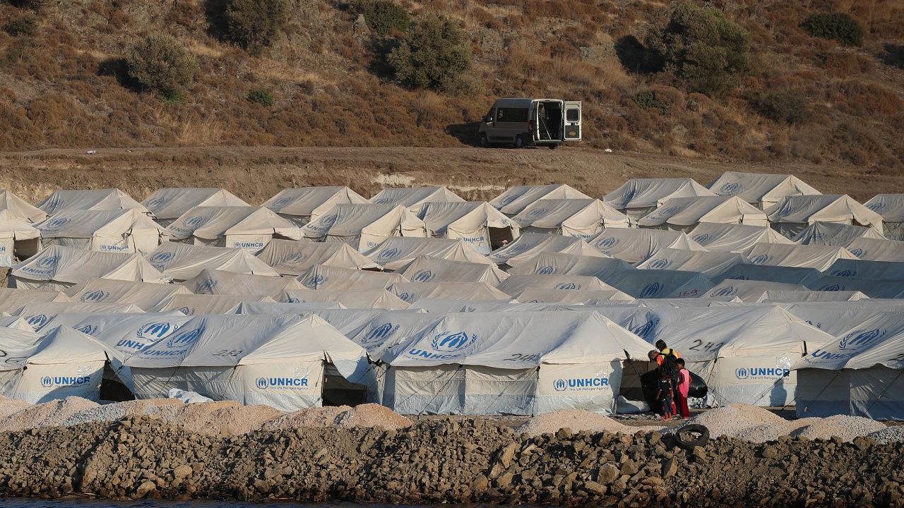 Zničený řecký tábor Moria vbudoucnu nahradí nové zařízení pro migranty, najehož provozu by se měla více podílet EU.