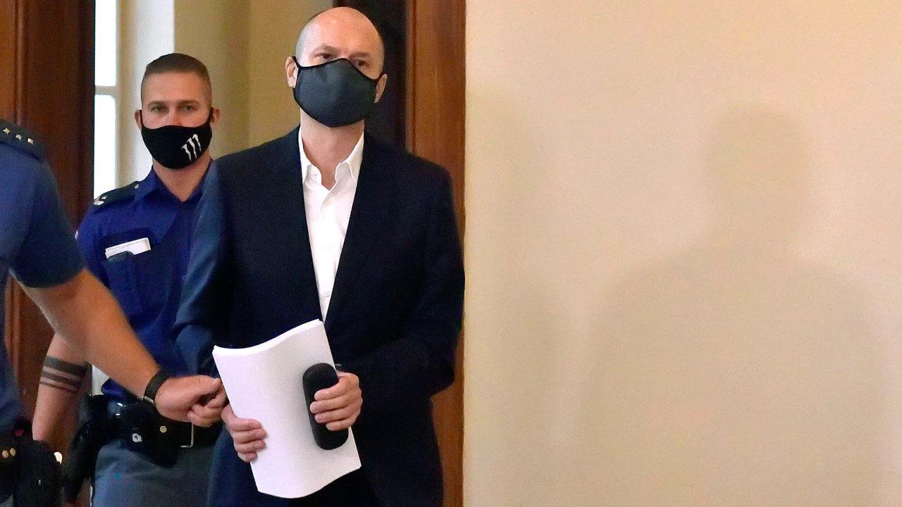 Jiří Švachula (nasnímku) promluvil napondělním soudním jednání poprvé odsvého loňského zadržení. Úplatky údajně nebral azakázky nemanipuloval. Prý jej vydíral Saman El-Talabani.