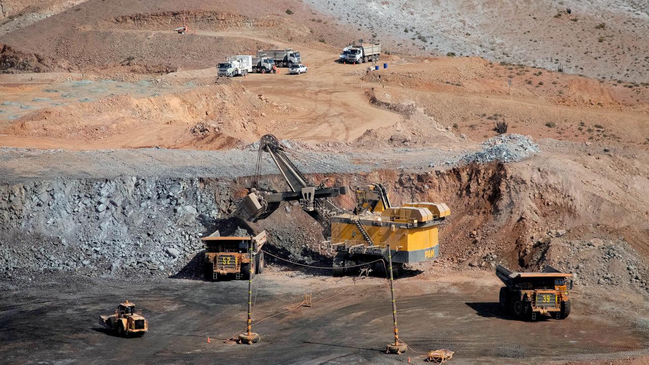 Těžaři mědi těží znejvyšších cen zaposledních osm let. Nasnímku je důl Cerro Verde najihozápadě Peru, vekterém vlastní většinu americká společnost Freeport-McMoRan.