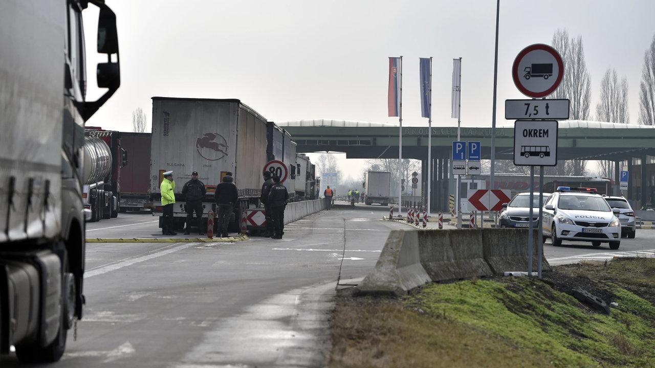 Přechod na hranicích se Slovenskem.