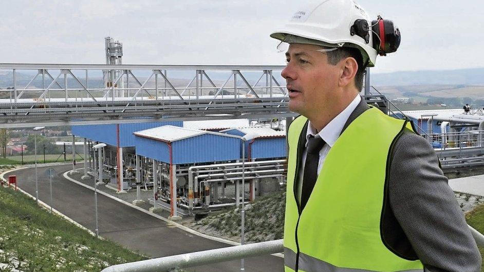 Moravské naftové doly (na snímku Karel Komárek, do jehož skupiny patří) loni dokončily rozšiřování svého jediného úložiště plynu v Uhřicích. Kapacita je oproti projektu s Gazpromem zhruba poloviční.