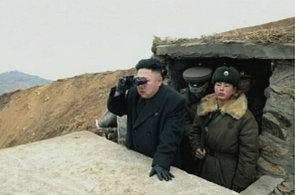 Severní Korea přesouvá na pobřeží balistickou raketu