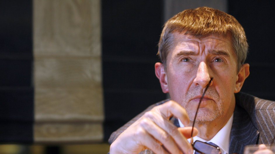 Andrej Babiš chce díky velké kontrole faktur zvýšit výběr daní.