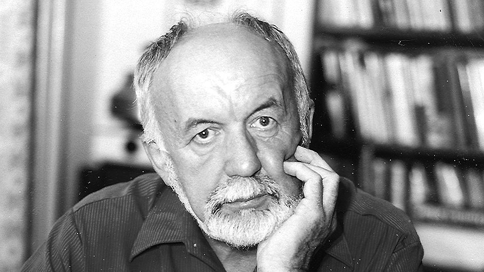 Mertl roku 2001 obdržel Státní cenu za literaturu.
