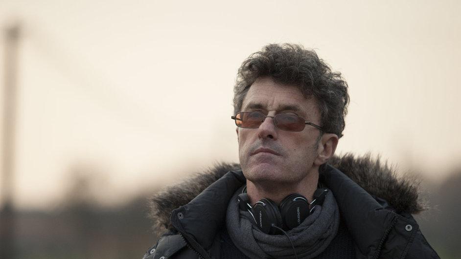 Polský režisér Pawel Pawlikowski opustil komunistické Polsko ve čtrnácti letech a usídlil se ve Velké Británii.