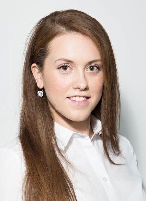 Nikol Ptáčníková, junior konzultantka oddělení kancelářských nemovitostí JLL