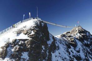 Ve Švýcarsku otevřeli unikátní most, který spojuje dva alpské vrcholy