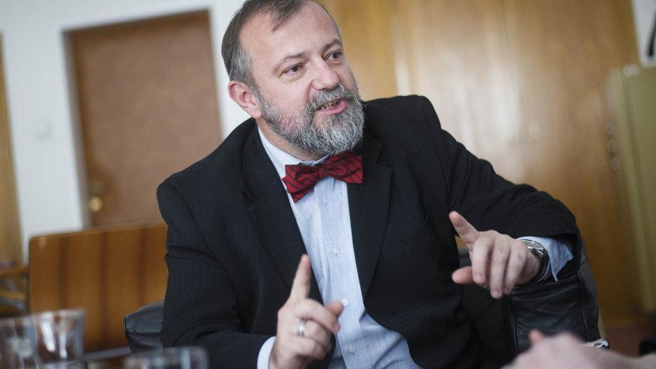Zkušený diplomat. Kmoníček je členem ČSSD a zároveň má blízko k prezidentovi. (ilustrační foto).