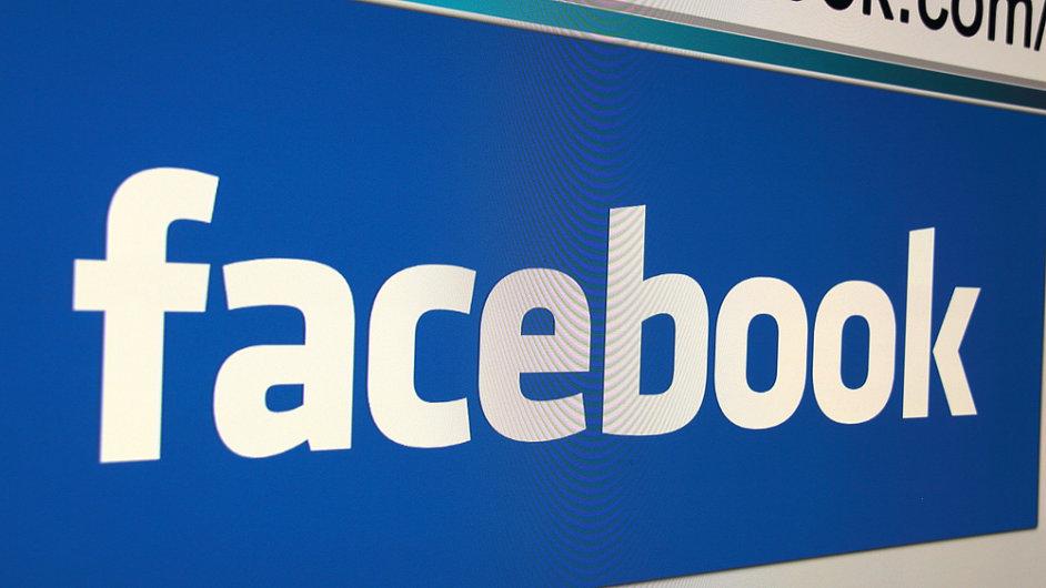 Facebook nabídl devíti médiím zisk z reklamy za články, které lidé čtou na sociální síti - ilustrační foto.
