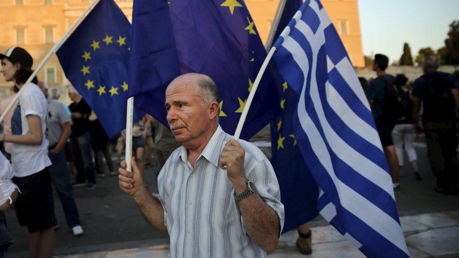 Řecko ustupuje eurozóně.