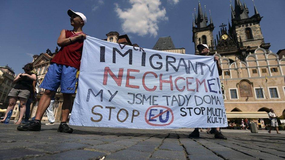 Vědce znepokojuje narůstající xenofobie.