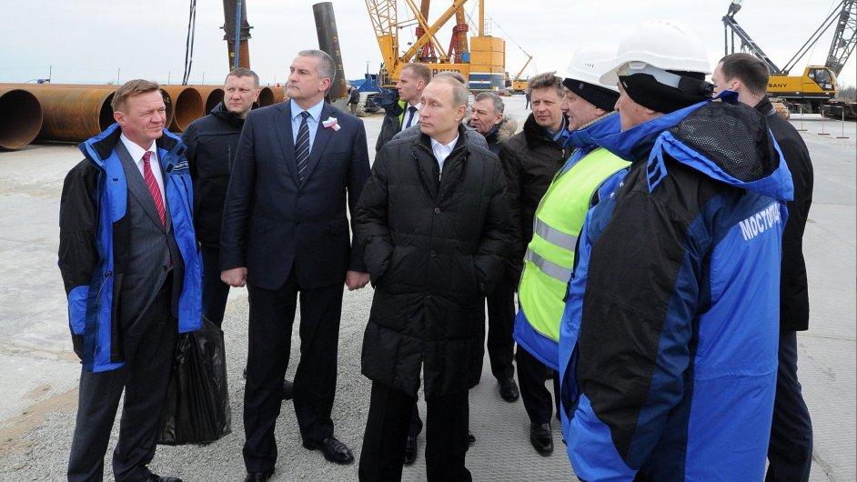Vladimir Putin navštívil Krym.