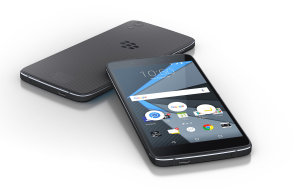 "Blackberry p�edstavilo ""nejbezpe�n�j��"" telefon s Androidem, je to Alcatel Idol 4"