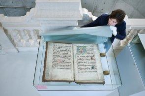Výstava v Liberci zmapuje působení Karla IV. v regionu, bude na ní i fragment buly z německého kláštera
