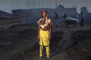 Fotogalerie: Černé slzy v Dháce. Uprchlíci ve vlastní zemi sní o lepší budoucnosti