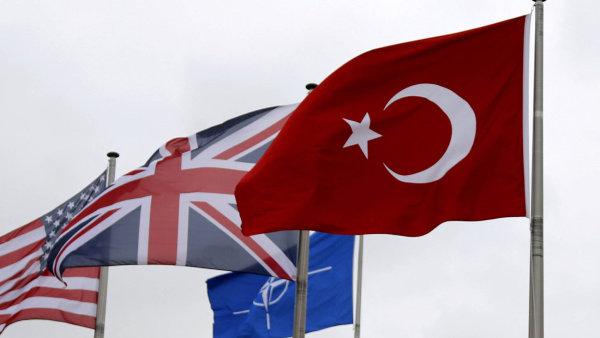 Ankara oznámila, že omezí spolupráci v rámci Severoatlantické aliance.