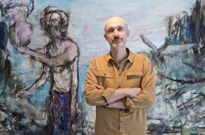 Josef Bolf vystavuje v Galerii Václava Špály. Novým malbám dominují motiv lesa a otevřené krajiny