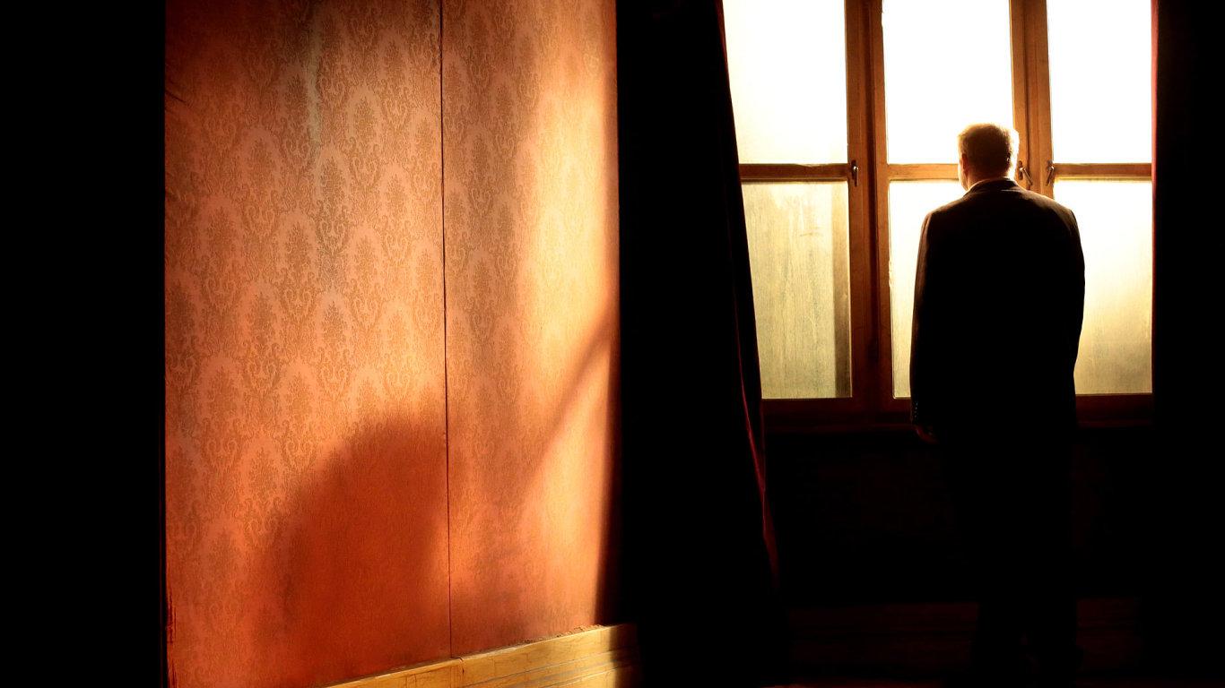 Snímek pochází z inscenace hry Karla Františka Tománka Kafka '24, kterou Dejvické divadlo uvede v Berlíně.