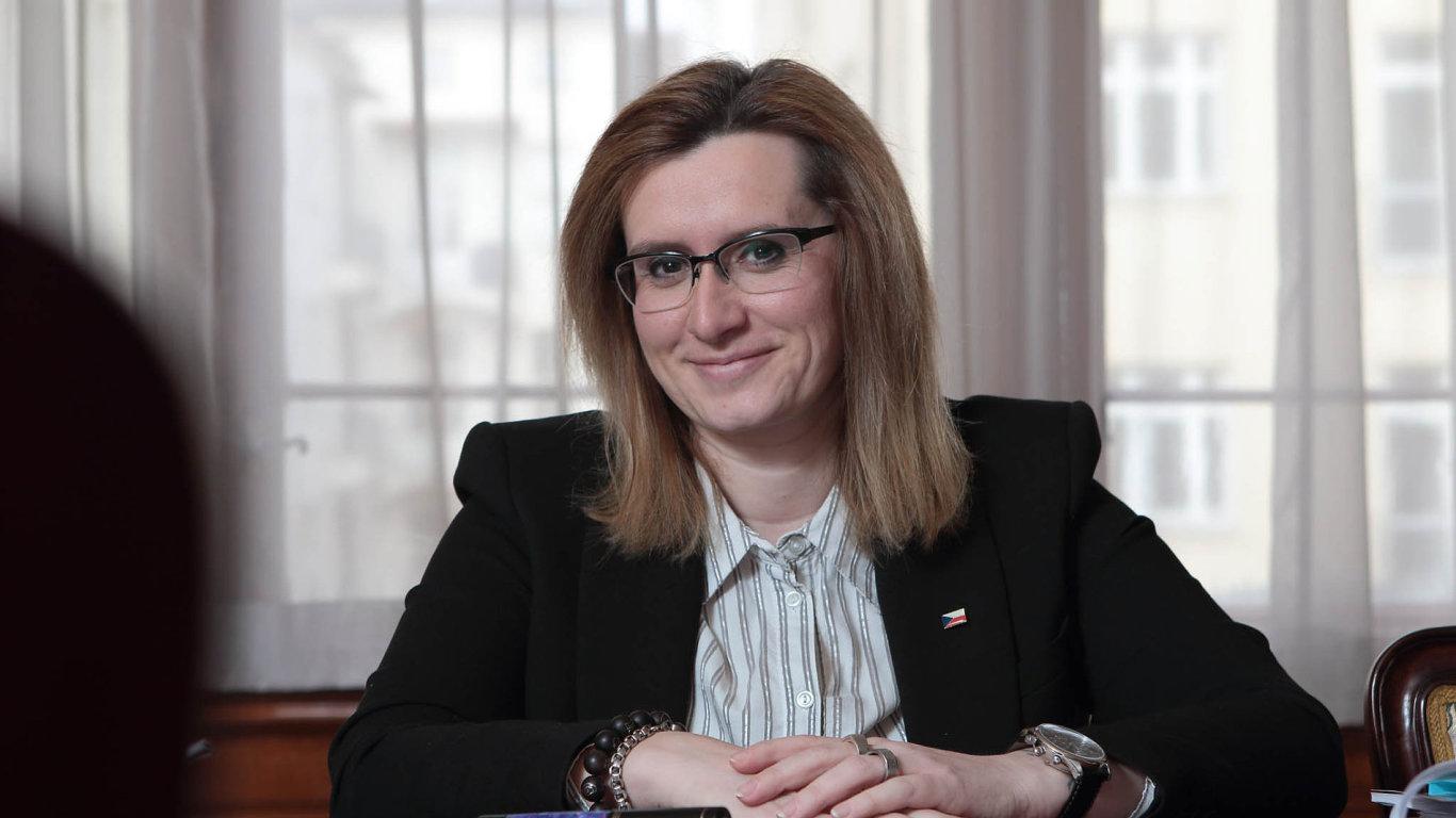 Ministryně Karla Šlechtová.