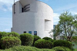 Na půdorysu víry: Sazovický kostel je příkladem moderní architektury, která staví na historických základech