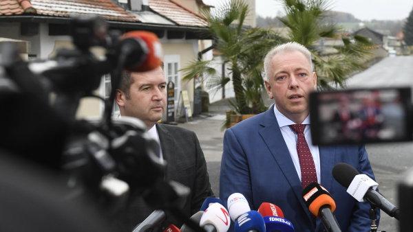 Jan Hamáček a Milan Chovanec po schůzce s prezidentem Milošem Zemanem v Lánech.