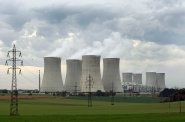 Souboj o 200 miliard za dostavbu Dukovan se rozjíždí. Pokud má nový reaktor vyrůst včas, musí ČEZ začít s výběrem dodavatele už na jaře