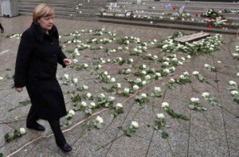 V Berlíně včera odhalili památník dvanácti obětí loňského teroristického útoku na vánočním trhu.
