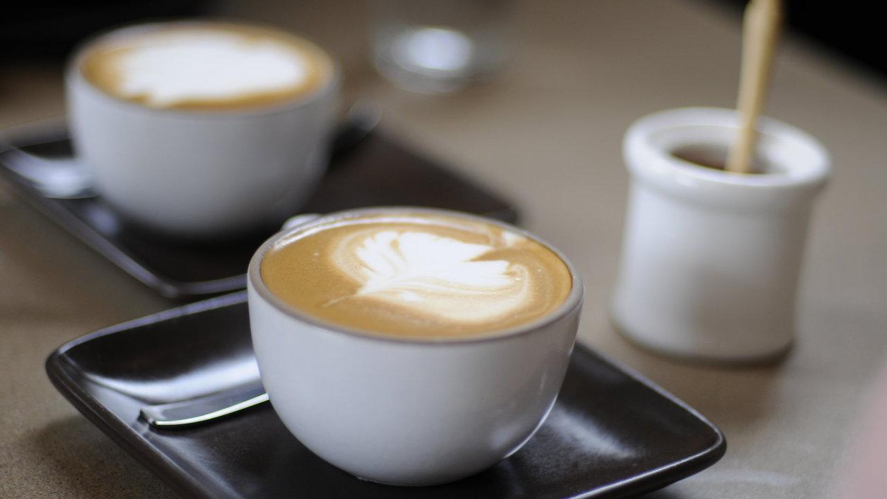 šálek kávy, káva