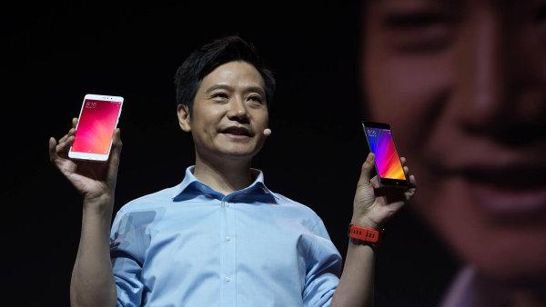 Akcie čínské společnosti Xiaomi při svém debutu na akciové burze nedokázaly přilákat velké investory.