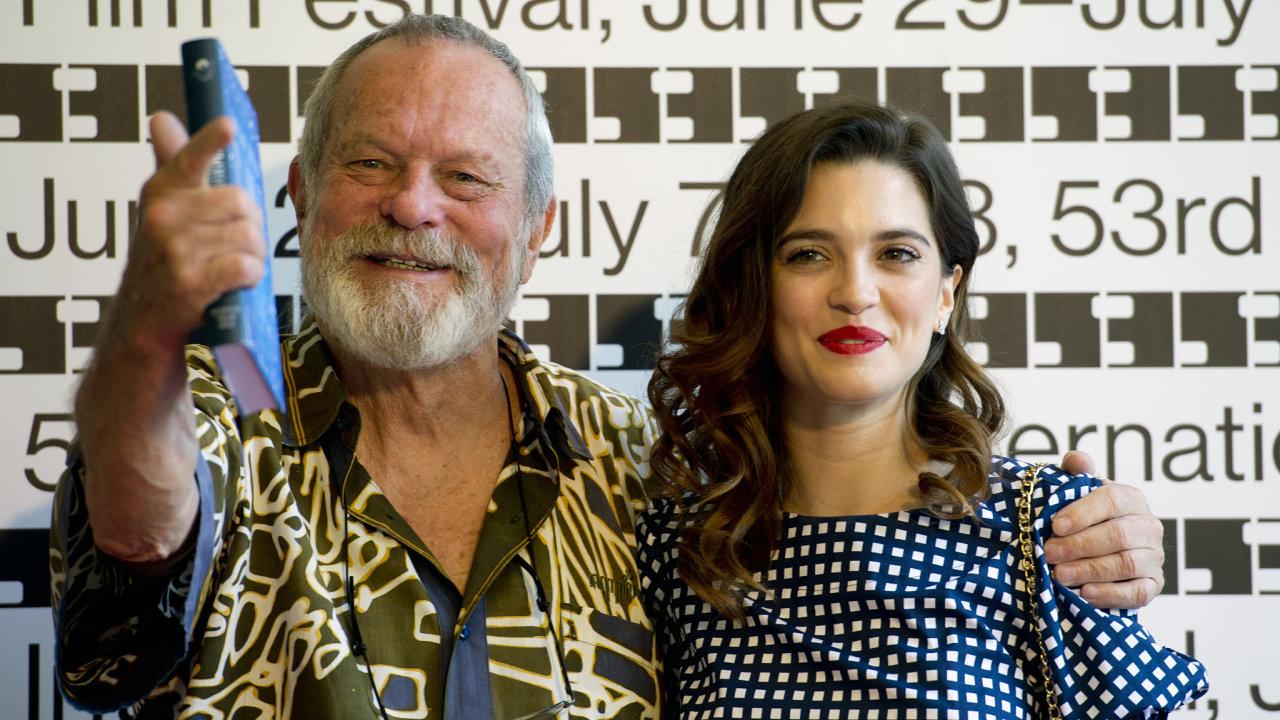 Režisér Terry Gilliam a herečka Joana Ribeirová uvedli ve středu  film Muž, který zabil Dona Quijota.