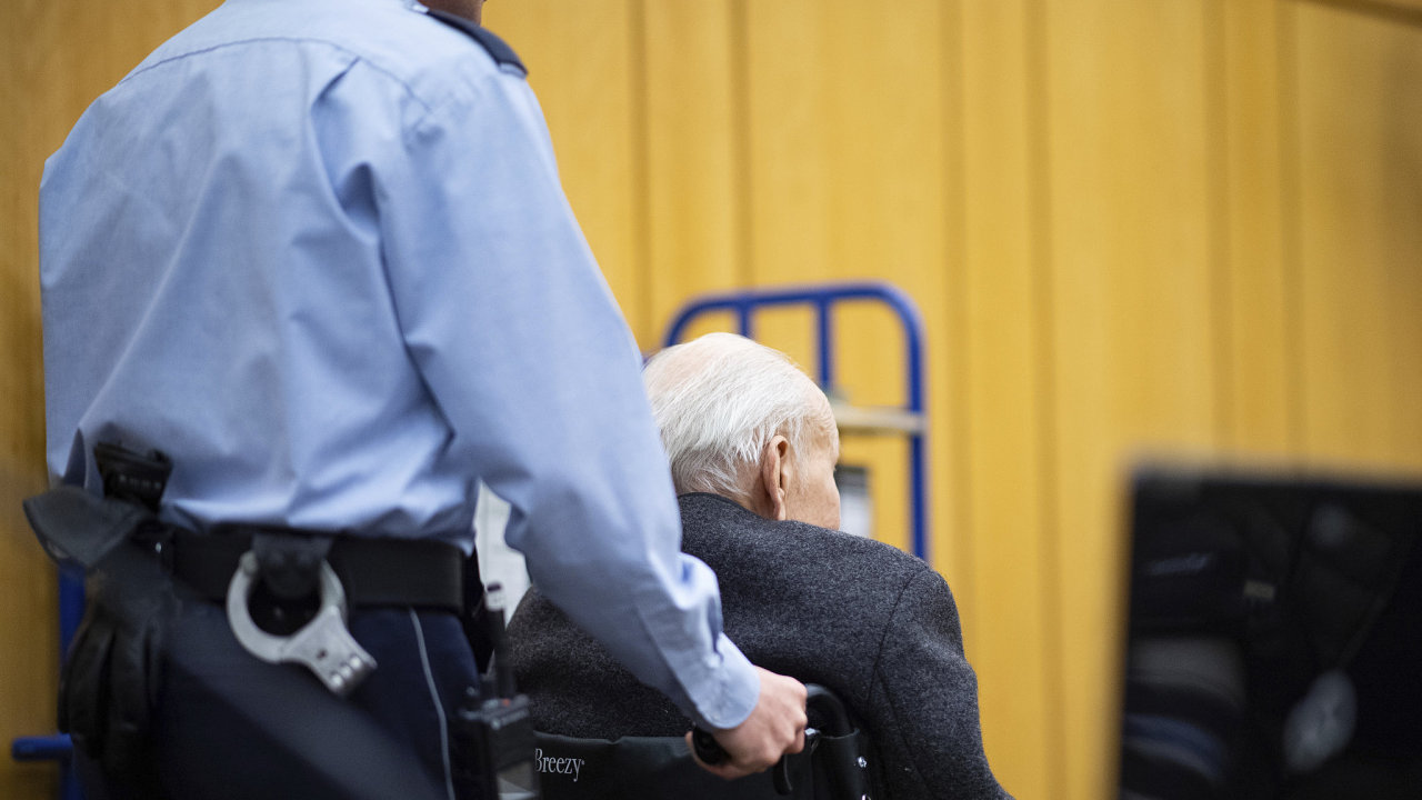 Bývalý dozorce Stutthof Johann Rehbogen z nacistického tábora tvrdí, že o vraždách nevěděl.