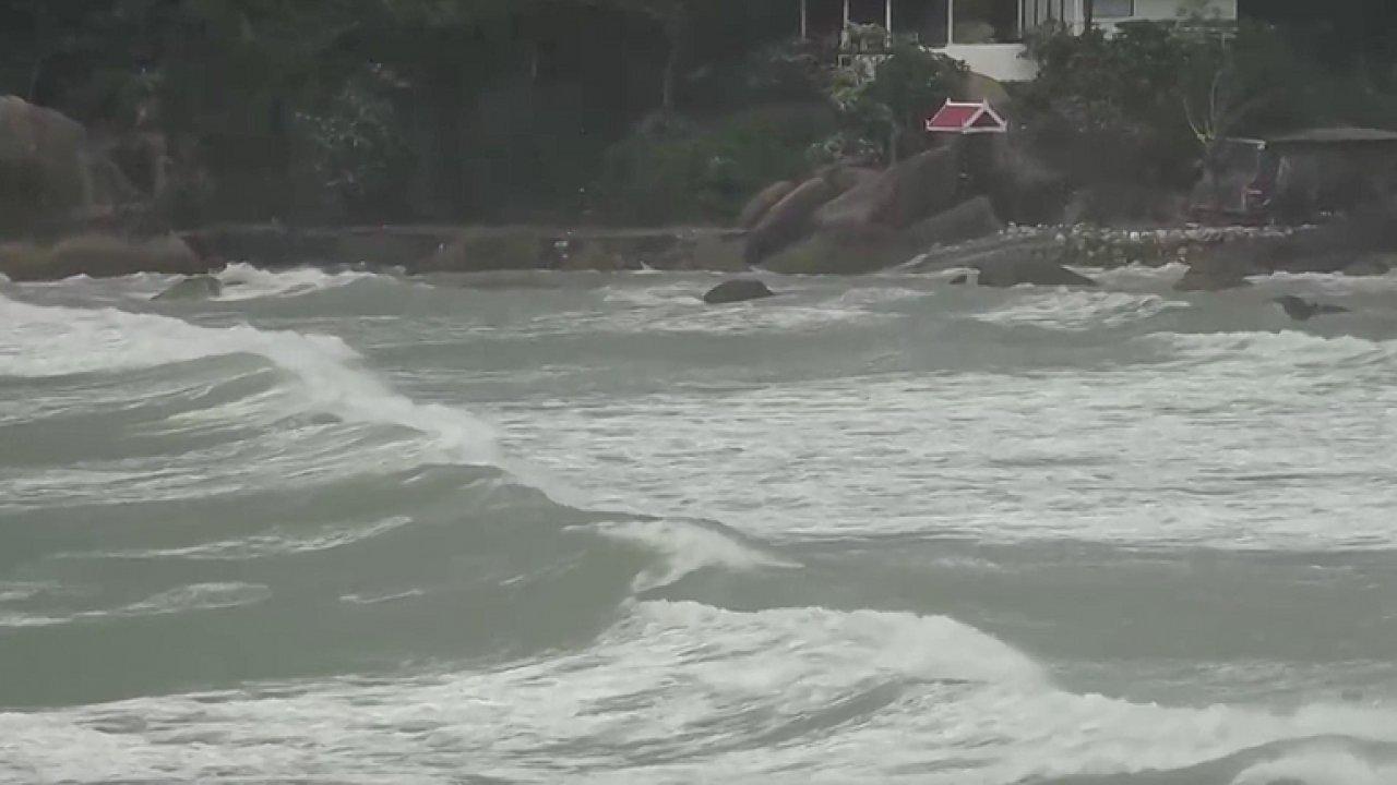 Na jižní pobřežíThajska se blíží Pabuk. Bouře zasáhne turistické oblasti.